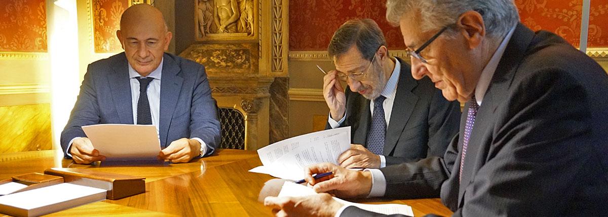 Padova Tribunali lavorare e per borse di 15 nei di di tirocinio 8RawYZq